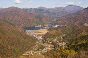 丹沢湖と丹沢山地 - 山北町
