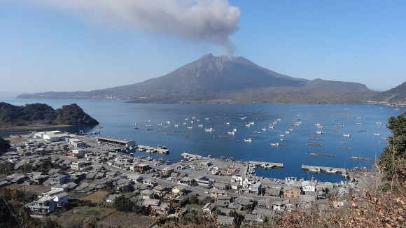 垂水市海潟地区と桜島 - 垂水市