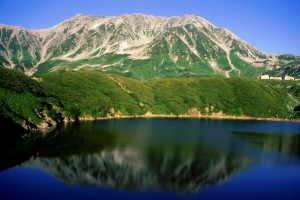 立山とミクリガ池 - 立山町