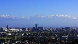 立山連峰と富山市街