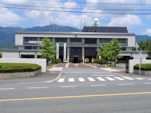 奈義町役場 - 奈義町