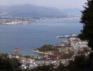 厳島神社と対岸の阿品・地御前 - 廿日市市