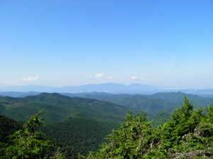 村南端の小南峠 - 黒滝村