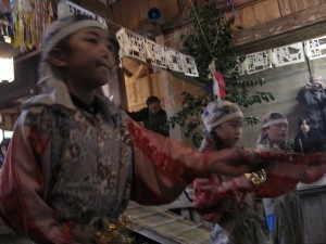 花祭。小林地区の「ちゃつの舞」 - 東栄町