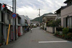 鶴居駅前通り - 市川町