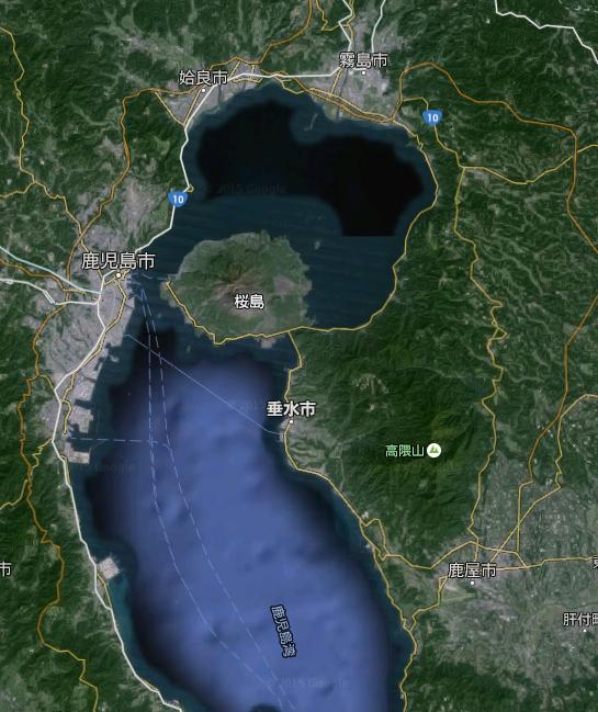 垂水市は鹿児島湾側の低地が中心部として発達しています